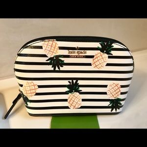♠️🍍 Kate Spade Pineapple make up bag.